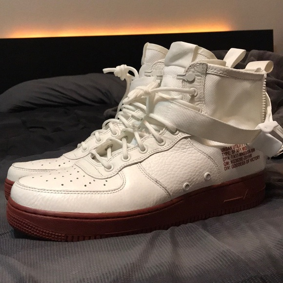 """SF Air Force 1 Mid """"Red Ivory"""""""